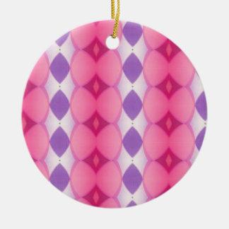 Fractal moderno púrpura rosado de las formas de adorno navideño redondo de cerámica