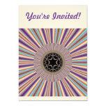 Fractal rayado púrpura del resplandor solar invitación 12,7 x 17,8 cm