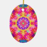 Fractal rosado y amarillo del caleidoscopio ornamento para arbol de navidad