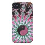 Fractal verde y negro rosado Yin-Yang iPhone 4 Case-Mate Fundas