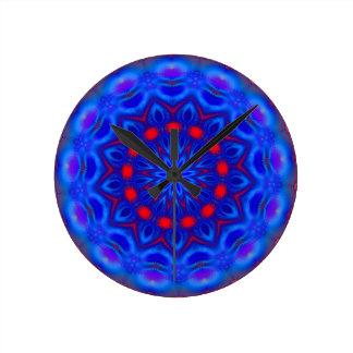 Fractalscope 11 round clock