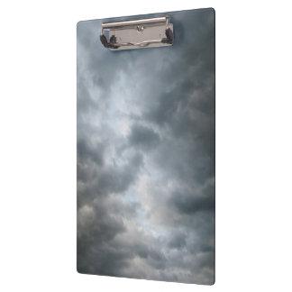 Fractura de las nubes de tormenta