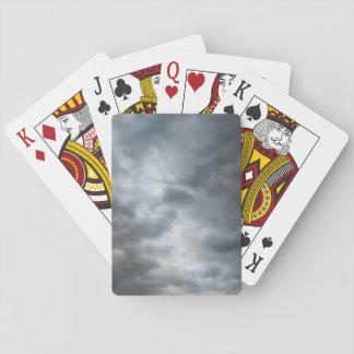 Fractura de las nubes de tormenta cartas de póquer
