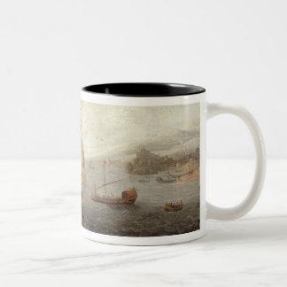 Fragata inglesa de la galera flanqueada por vagos  taza
