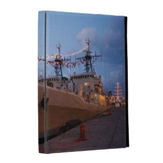Fragatas portuguesas en el crepúsculo