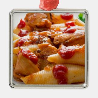 Fragment portion conchiglioni pasta and turkey metal ornament