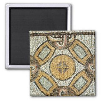 Fragmento del piso de los baños romanos imán cuadrado