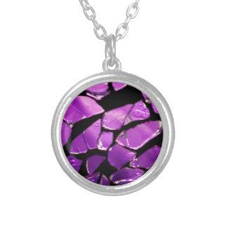 Fragmentos de cristal púrpuras collar plateado