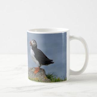 Frailecillo vigilante taza básica blanca