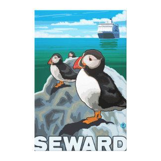 Frailecillos y barco de cruceros - Seward, Alaska Impresión En Lienzo