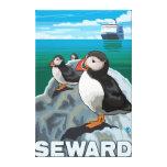 Frailecillos y barco de cruceros - Seward, Alaska Impresión En Lona Estirada
