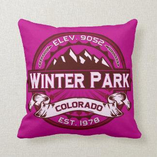 Frambuesa del logotipo del parque del invierno cojín
