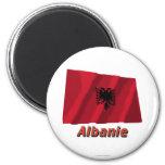Français de Drapeau Albanie avec le nom en Imanes De Nevera