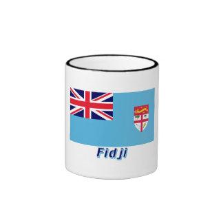 Français de Drapeau Fidji avec le nom en Taza A Dos Colores
