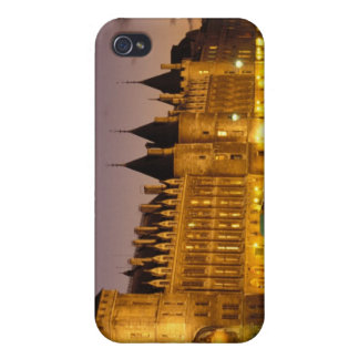 France, Paris, Conciergerie and river Seine at iPhone 4 Cover
