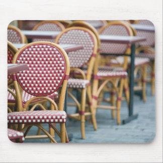 FRANCE, PARIS, Montmartre: Place du Tertre, Cafe Mouse Pad