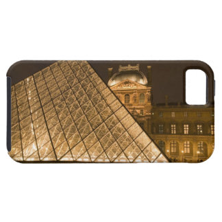 France, Paris. The Louvre at twilight. Credit 2 iPhone 5 Cases