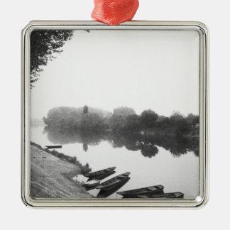 FRANCE, Touraine, The Loire: CHINON Boats along Metal Ornament