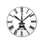 Francés del reloj de la torre Eiffel de París