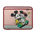 Francés Mickey el | Mickey y Minnie en Vespa Funda MacBook