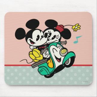 Francés Mickey el | Mickey y Minnie en Vespa Mousepads
