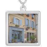Francia, Arles, Provence, hotel y restaurante Colgante Cuadrado