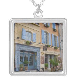 Francia, Arles, Provence, hotel y restaurante Collares