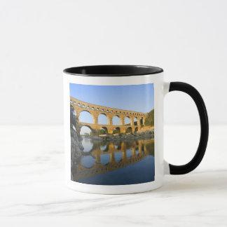 Francia, Aviñón. El acueducto romano de Pont du Taza