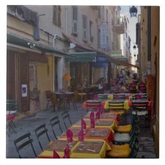 Francia, Córcega. Tablas de café puestas en el est Azulejo Cuadrado Grande