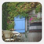 Francia, Les Baux de Provence, patio del café Pegatinas Cuadradases Personalizadas