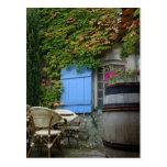 Francia, Les Baux de Provence, patio del café Tarjetas Postales