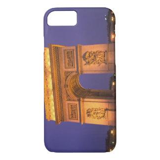 Francia, París, Arco del Triunfo en la oscuridad Funda iPhone 7