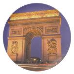Francia, París, Arco del Triunfo en la oscuridad Plato De Cena