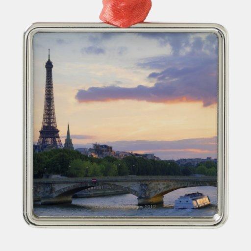 Francia, París, barco del viaje en el río el Sena, Ornamento Para Reyes Magos