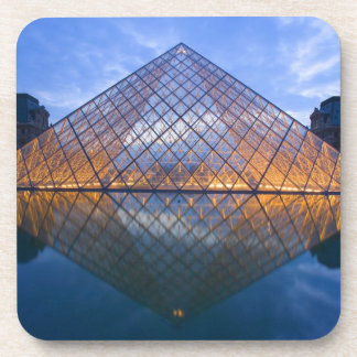 Francia París El Louvre en el crepúsculo Crédit Posavasos De Bebida