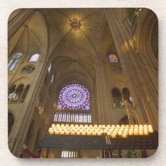 Francia, París. Interior de la catedral de Notre D Posavasos