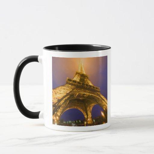 Francia, París. Mirada para arriba de la base de Taza
