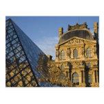 Francia, París, museo del Louvre y la pirámide, Postal