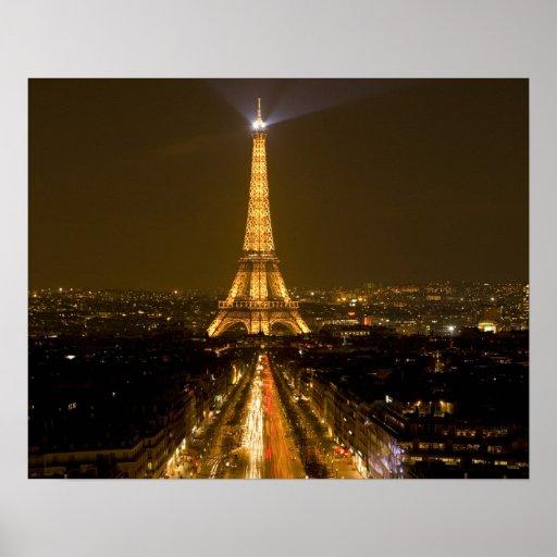 Francia, París. Opinión de la noche de la torre Ei Posters