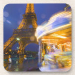 Francia, París. Torre Eiffel en la niebla crepuscu Posavasos De Bebidas