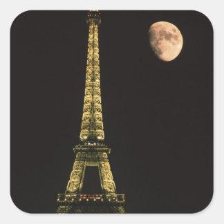 Francia, París. Torre Eiffel en la noche con Pegatina Cuadrada