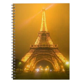 Francia, París. Torre Eiffel iluminada en 3 Cuaderno