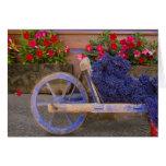Francia, Provence, Sault. Carro de madera viejo co Felicitación