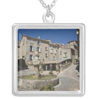 Francia, Provence, Valensole. Los turistas Colgante Cuadrado