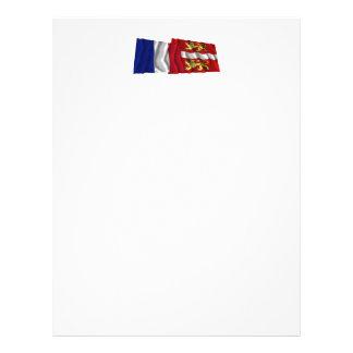 Francia y Seine-maritime que agitan banderas Membrete