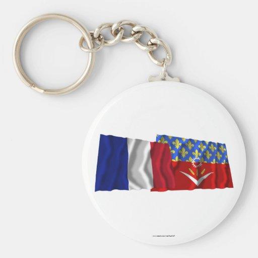 Francia y Seine-Saint-Denis que agitan banderas Llavero Redondo Tipo Pin