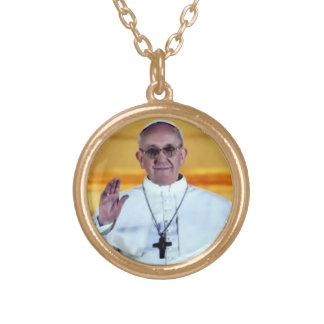 Franciscus eats round pendant necklace