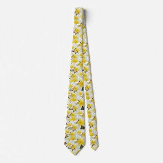Frangipani_Bouquet, Tie