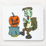 Frankenstein asustado tapetes de ratones