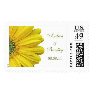 Franqueo amarillo del boda del monograma de la timbres postales